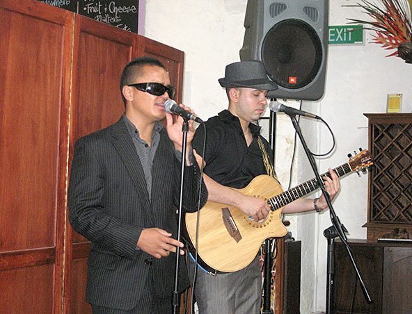 2che Music Duo - Perth Acoustic Duo Singers - Musicians Entertainment