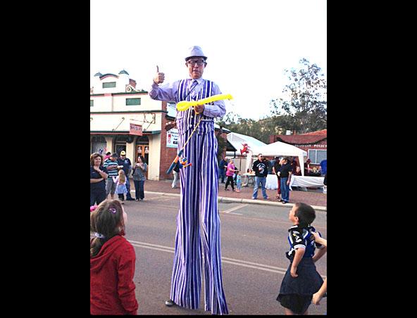 Clown Perth - Edward DeBozo - Kids Entertainers