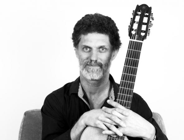 Glenn Rogers Classical Guitarist Perth