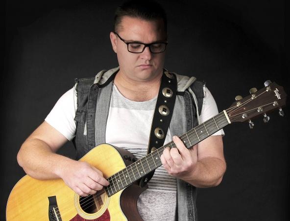 Neil Adams Acoustic Soloists Perth