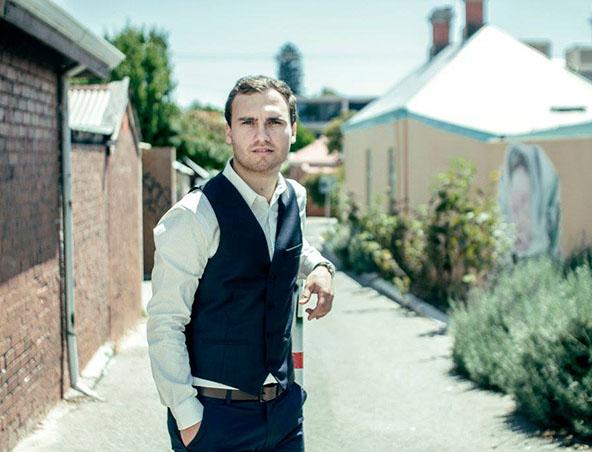 Perth Acoustic Soloist Singer Justin