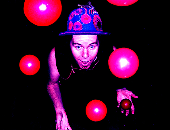 Captain Quirk Entertainer Perth - Roving Performers - Childrens Entertainment