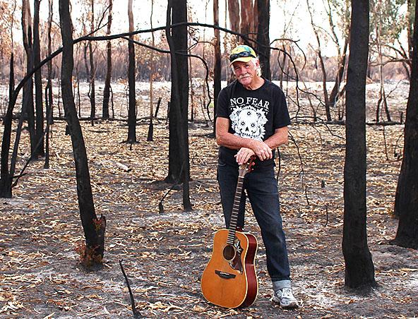 Chris Soloist Perth Singer - Musician