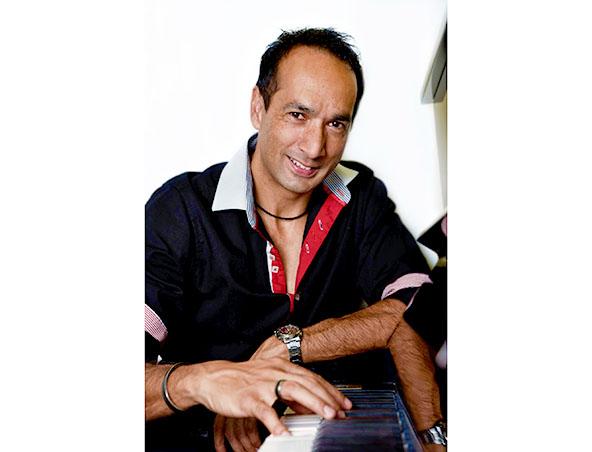 David Piano Player Singer - Musician Perth