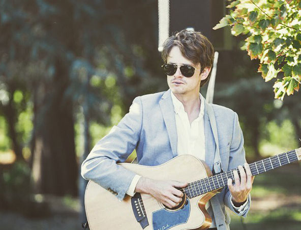 Henry Acoustic Soloist Perth - Musicians Singers - Entertainment