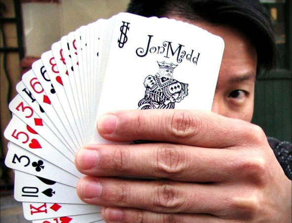 Jon Madd Magician Perth - Roving Magic
