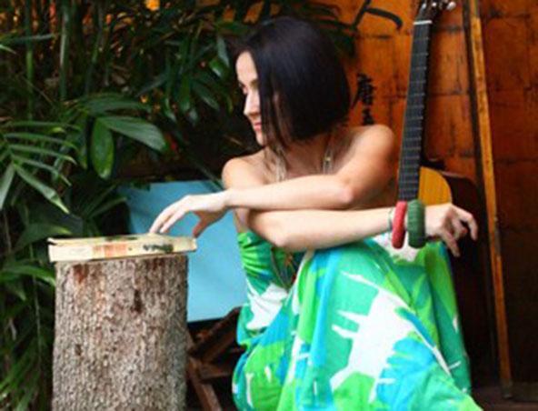 Juliana Areias Perth Singer - Brazilian Bands - Entertainers