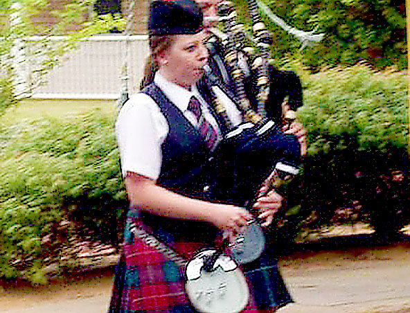 Perth Bag Piper - Bagpipes Player - Roving Musician - Scottish